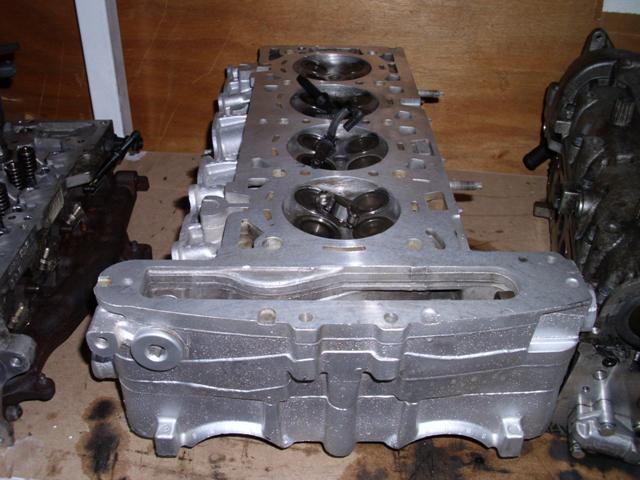 Opel Vectra 2,2 Benzinli Silindir Kapak